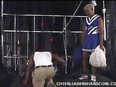 Ébano Cheerleader Aliya Vergas abarrotado