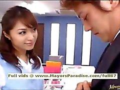 Mihiro onschuldige Chinees meisje geniet van het krijgen van een kantoor