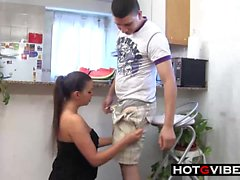 THICK Latina obtient une baise anal