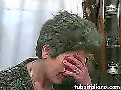 A Senhora Italiana Abusa Ragazza