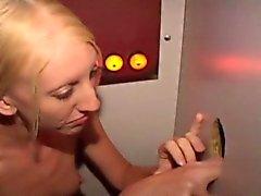 Dürr Blondes Amateur Mädchen Gegen schwarzen Schwanz Am Lustloch