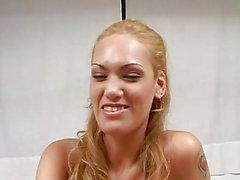 Oyeloca blonden latina Kätzchen Maul den Arsch schlugen