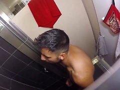 Hostel Bath Idiot