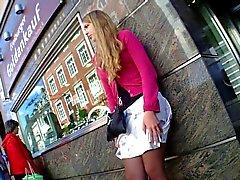 Hot Legs de fille de dessous D'Époque belle robe à Bus Stop