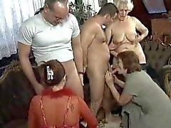 Ältere Mütter Orgasmus