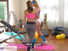 FitnessRooms Hot pienille lapsille harrastaa seksiä kuntosali