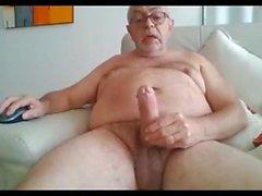Opa Show und Schlaganfall vor der Webcam