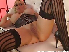 MonicaMilf want you to blow your load while she DP masturbate