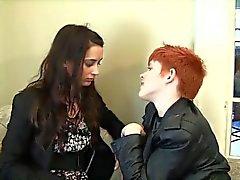 Génial Lesbian Strapon !