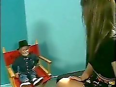 Drops from Gnom Doll to be Lesbian
