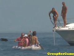 SexGames della spiaggia europei con ragazze bikini del ninfomani