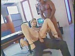 рогатый секретаря милашка чертовски с 2 парнями по офиса