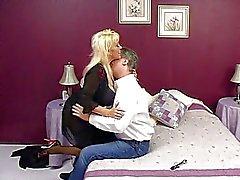 Kandi Cox's tantalising tricks