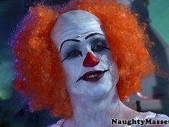 Pequeña que Veruga Santiago Chupa profundamente clowns cock