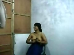 Bangla Raand Blackmailing Her Client For Sex