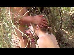Caliente pareja de adolescentes follando en la playa - Jose y Merce