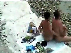 Espiando a la gente En La Playa