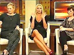 Sonya Kraus - zeigt Topuklar und Bein