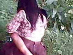 indonesia cewek jilbab ngentot utomhus