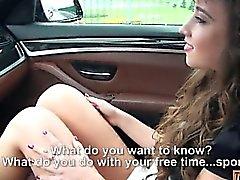 Atractivo de Taissia Shanti gusta un anal amateur el auto