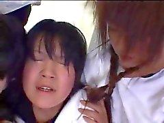 cuspa japonesas meninas pequenas