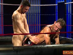Muscle jock oral sex and cumshot