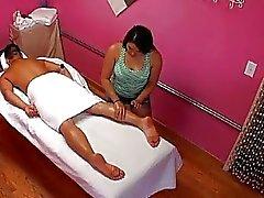 Vild samt longawaited kön sker på massagerummet