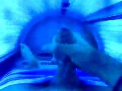 jarking und abspritzen im Solarium