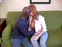 Hermosa maduros ama de casa del milf aficionado y amante interracial el cuckolding su esposo filmar