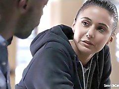 Emmanuelle Chriqui - In der ersten S02E02