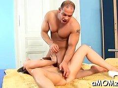 Seksikäs äiti himoitsee Big O