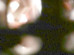 Deliği gizlenmiş Spying küçük sevimli kardeş doggy voyeur sikikleri