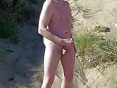 demostración escocés del exhibicionismo on beach