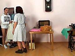 Швейная старых женщин ласточки петуха клиентов