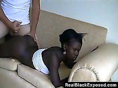 Ebony шлюха Пытаться некоторые белому мясу