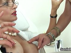Unfaithful uk mature lady sonia shows off her heavy boobies