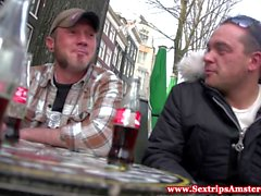 Реального Dutch брюнетка проститутка трахается