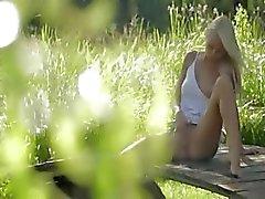 Blonde model uit Zweden raken clit