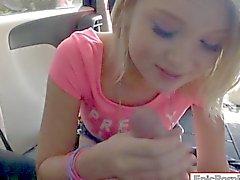 Kleine Brüste blondes jugendlich Mädchen Dakota Insel Skye throated und analysiert
