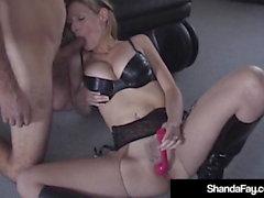 Sexy Cougar canadese Shanda Fay Ottiene anale sbattuto & Creampied