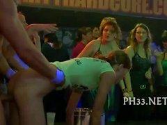 Cope tira de dança e vazamento de pus
