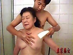 Abuelo asiatico disfrutando como nunca - 3 part 1