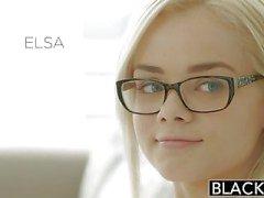 Geschwärzten Elsa Jean Takes Ihre erste der BBC