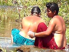 Indiskt Aunty 1.327