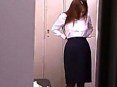 Ensam japanska milf du använder vibrator till orgasm