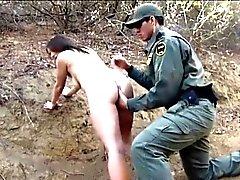 Mexikanischen Grenze Patrouille Mittel fickte Amateur Brünette Hottie