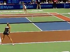 Daniella Huntchakova fantastisch Tennisplatte Arsch