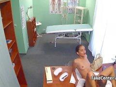 Babe fucked docteur à l'hôpital, kolkatanightqueens