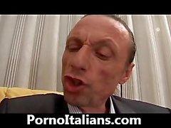 Cougar oral İtalya'ndır - Milf porcella Mektup cazzone Fransızca İspanyolca İtalyanca Maturo pompino