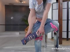 Wetandpissy - Jogo vibrador para mijar encharcado querida Quinn Lindermann